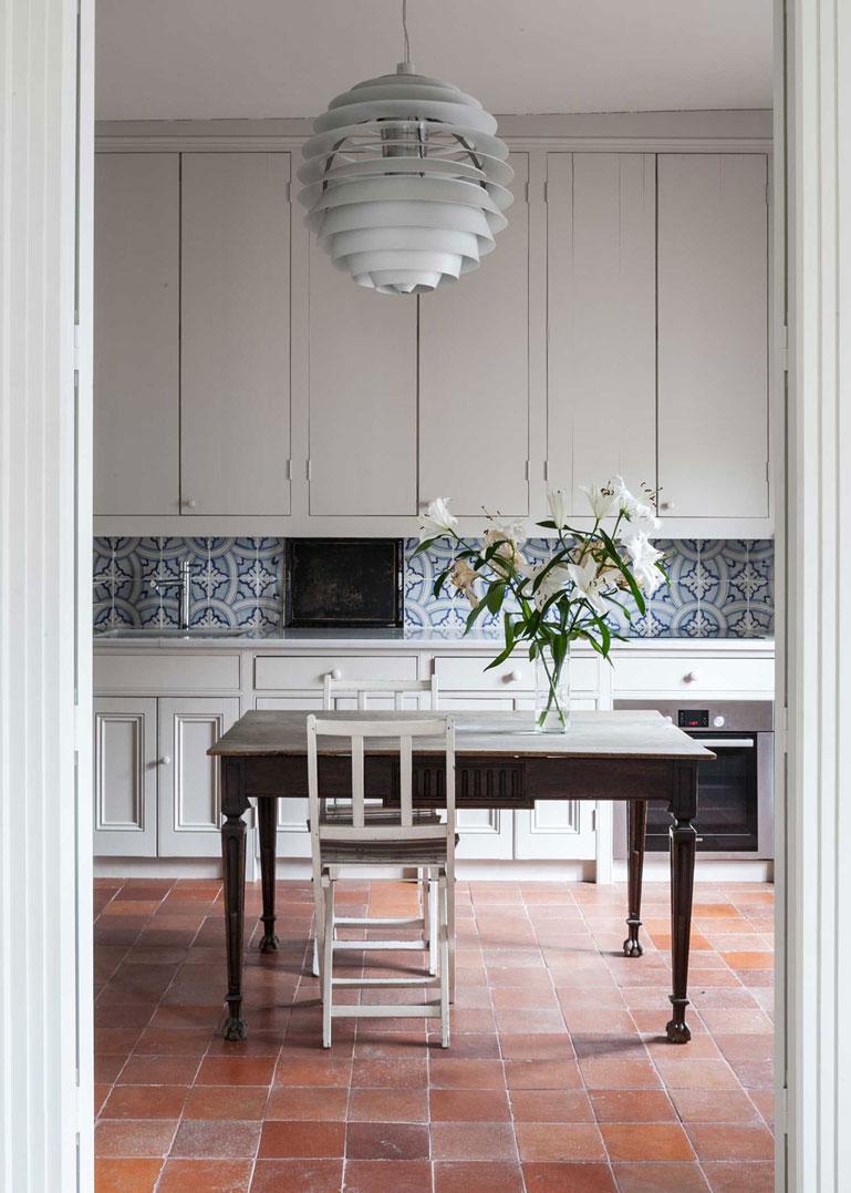 Arredamento Con Pavimento Marrone vecchi pavimenti scuri e in cotto: quali colori abbinare a