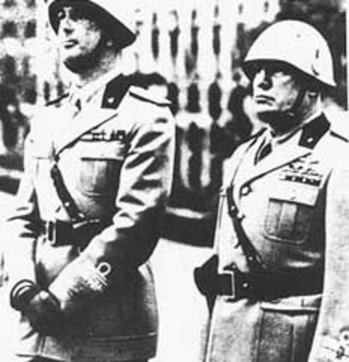 Manifesti fascisti a Genova: compaiono anche a Borgoratti e Carignano