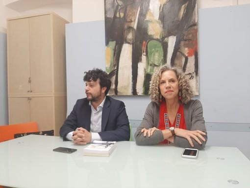 """Savona, la senatrice Pd Cirinnà appoggia il candidato alle europee Benifei: """"Per essere interlocutori bisogna saper ascoltare"""" (VIDEO)"""