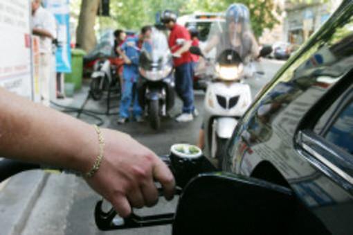 Distributori di benzina fermi in Liguria: in arrivo 3 giorni di disagi per gli automobilisti
