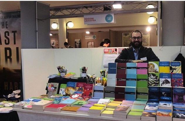 La scrittrice genovese Sara Tassara al Pisa Book Festival ... b0bcc721605