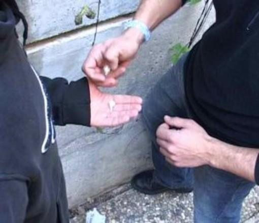 Spaccio di eroina ai giardini Melis di Cornigliano, un arresto