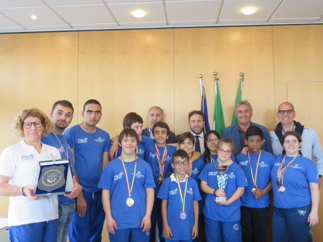Ufficio Di Presidenza : Lufficio di presidenza del consiglio regionale incontra i giovani