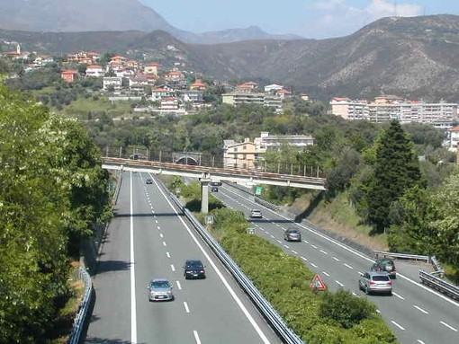 A10 Genova-Savona, chiusura notturna dell'entrata della stazione di Varazze