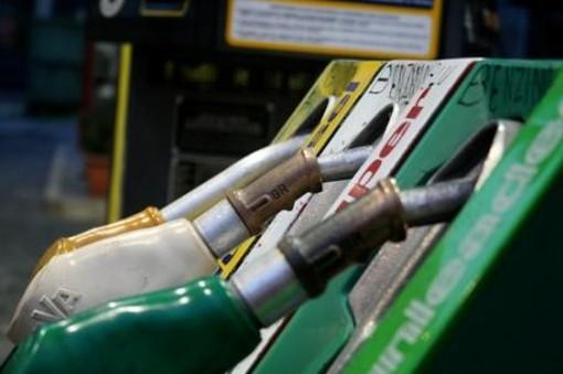 """Accise carburante, Tosi (M5S):"""" In Liguria costo della benzina invariato"""""""
