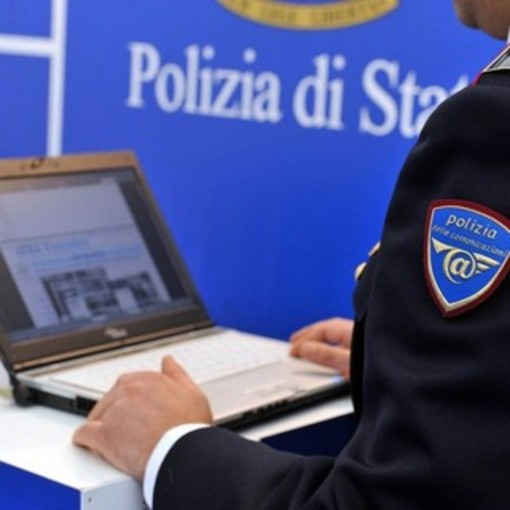 Boom di siti clone per sottrarre credenziali e prosciugarci il conto, la Polizia postale lancia l'allarme