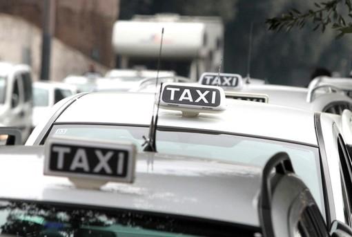 Trasporti, bando regionale per la riqualificazione dei taxi: la Giunta approva le graduatorie delle domande presentate