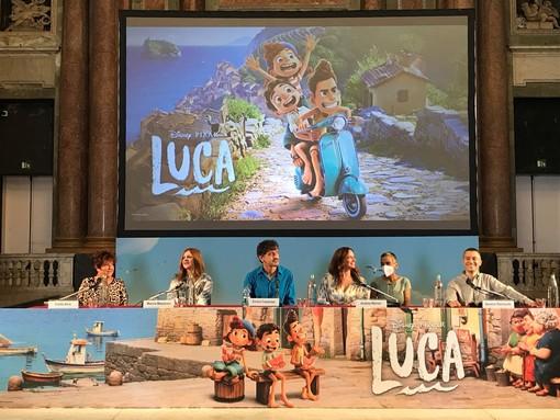 """Cinema, presentato """"Luca"""". Assessori Berrino e Cavo: """"Grazie al regista Casarosa e a Disney Pixar per aver promosso la Liguria"""" (FOTO)"""