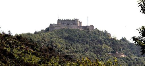Genova, Forte Sperone. Foto di libero utilizzo –Bbruno -CC