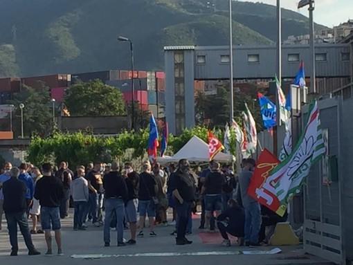 Arcelor Mittal: a Cornigliano la protesta non si ferma