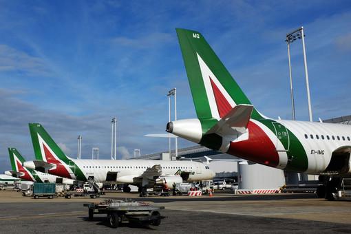 Alitalia: dal 1° settembre raddoppiano i voli quotidiani fra Genova e Roma