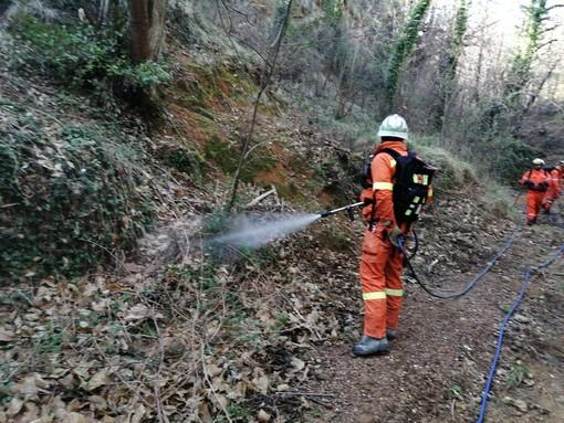 """Antincendio boschivo: conclusa la formazione di 50 volontari grazie al progetto europeo """"Med star"""" [FOTO]"""