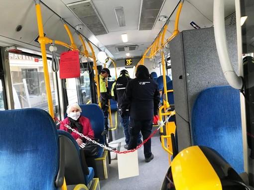 Coronavirus: in Liguria mascherine sui mezzi pubblici senza riduzione dei posti