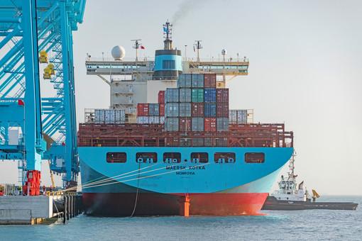 Approdata oggi la Maersk Kotka: al via l'operatività del nuovo terminal container di Vado Ligure [FOTO]