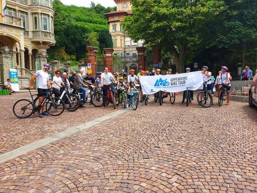 """""""Appennino Bike Tour 2021"""", è partito da Altare """"il giro d'Italia che non ti aspetti"""" lanciato da Legambiente e ViviAppennino"""