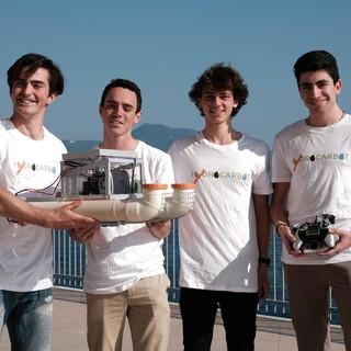 Quattro ragazzi progettano un robot per ripulire i mari dai liquami inquinanti