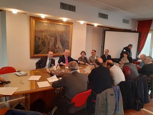 Piaggio Aerospace, incontro tra il commissario e i sindacati: garantiti gli stipendi di novembre e dicembre. Incognita sulla tredicesima