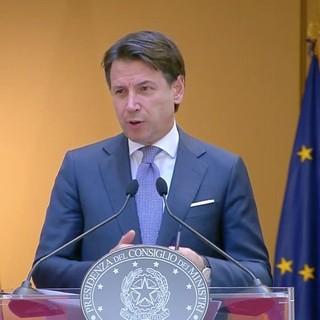 """Coronavirus, recovery fund da 172 miliardi per l'Italia, Conte elenca le riforme necessarie: """"Fondi non siano un tesoretto"""" (VIDEO)"""