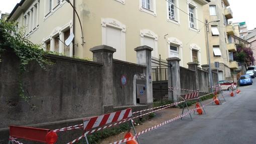 Multedo, interrogazione a Tursi sul muro esterno pericolante della scuola 'Alfieri'
