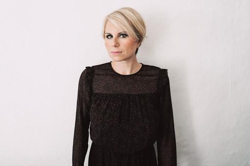 """""""Un angolo buio"""": in uscita il nuovo singolo di Chiara Ragnini"""