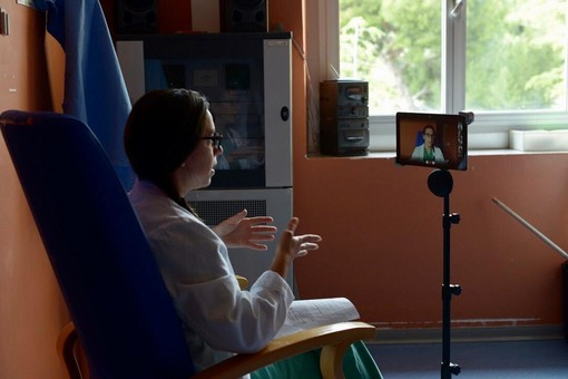 Ospedale San Martino: attivati i corsi preparto online attraverso i tablet a disposizione del reparto