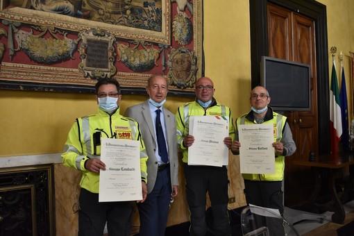 Tre premiati in prefettura per il lavoro svolto nelle emergenze del ponte Morandi e del covid
