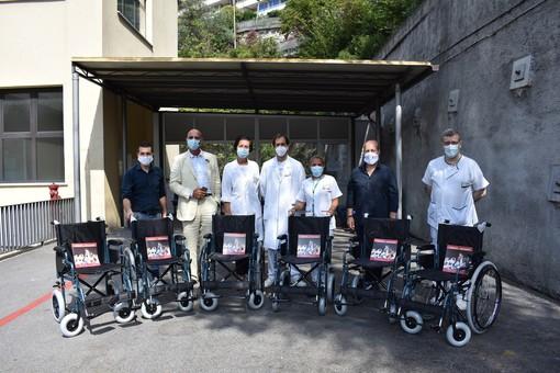 Donate sei carrozzine al Pronto soccorso dell'ospedale San Martino di Genova