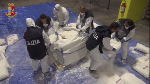Droga: maxi sequestro di 270 kg di eroina proveniente dall'Iran