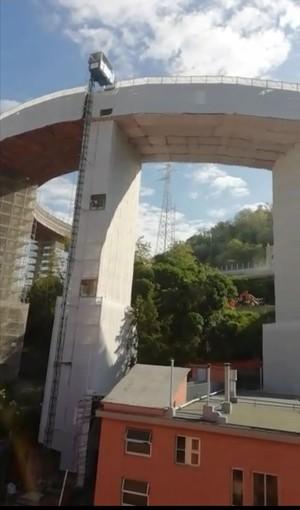 """Elicoidale, la difficile convivenza col cantiere: """"Con la fretta a rimetterci sono i cittadini"""" (VIDEO)"""