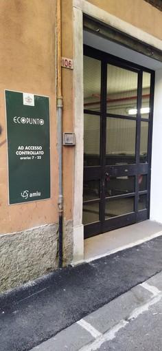 Investimenti Amiu per la raccolta differenziata, due nuovi ecopunti a Sampierdarena (FOTO)