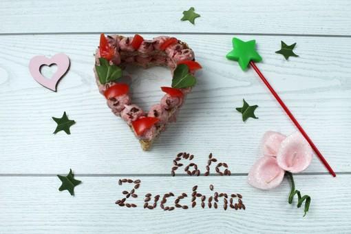 Felici & Veloci, la nuova ricetta di Fata Zucchina: 'cipollacake'