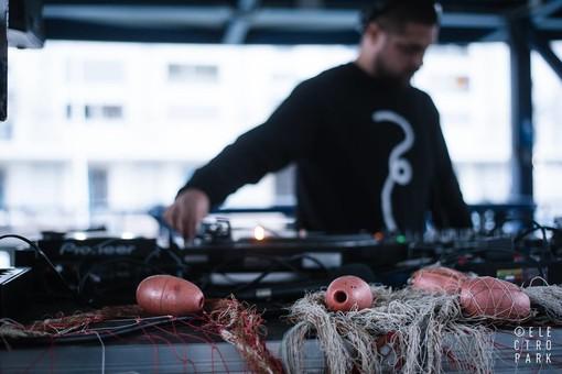 """Venerdì 17 luglio tornano la musica e il divertimento di """"Fish & Djs"""""""