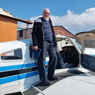 Compie 90 anni e figlie e nipote gli regalano un volo sopra Genova e la riviera