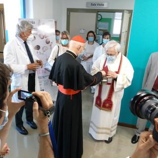 Riapre il punto nascita dell'ospedale Galliera con la benedizione del cardinale Bagnasco [FOTO]