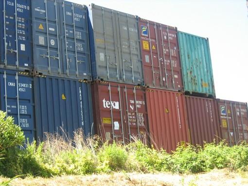 Container, record storico di traffico a giugno per il Porto di Genova