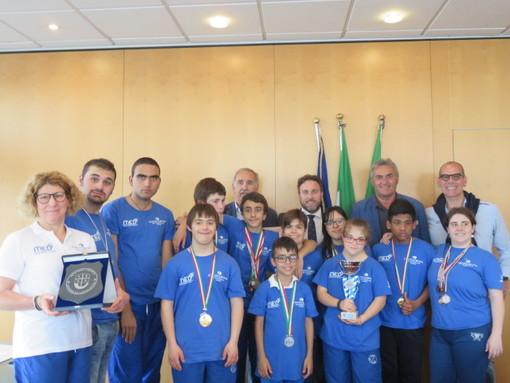 """L'ufficio di presidenza del consiglio regionale incontra i giovani  atleti del """"Crocera Stadium"""""""