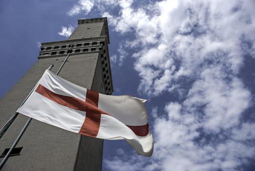 Lanterna: per San Giovanni apertura con i colori della bandiera di Genova