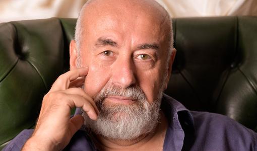 Uscito 'Il pescatore di Lenin', il nuovo romando dello scrittore e autore televisivo genovese Lorenzo Beccati
