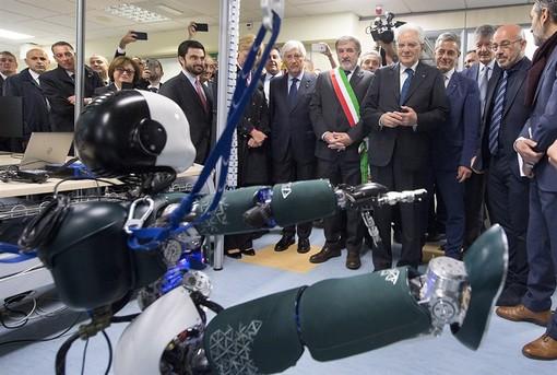 All'IIT di Genova Mattarella incontra i robot cucciolo e maggiordomo