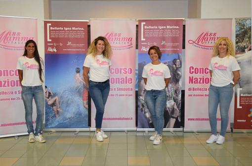 Silvia Zanichelli (prima da sinistra), la genovese in gara alle pre finali di Miss Mamma Italiana 2021 in programma a Bellaria Igea Marina