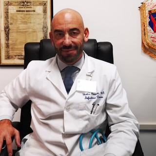 Covid: Assoutenti lancia la petizione per chiedere a Governo e Parlamento legge su obbligo vaccinale, primo firmatario Matteo Bassetti