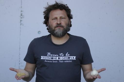 """""""Focaccia lovers"""": le T-shirt dei Testimoni di Genova stampate nel carcere di Marassi"""