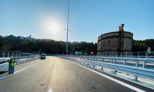 """""""Ritornare sul Ponte"""": ogni pezzetto di asfalto, acciaio e cemento appartiene a tutto il Paese (FOTO e VIDEO)"""