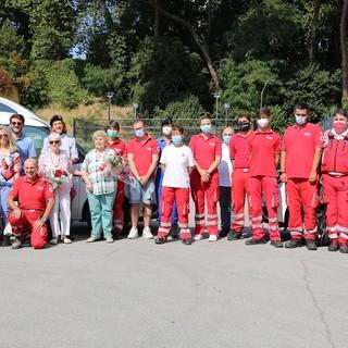 Due auto nuove per la Croce Rossa