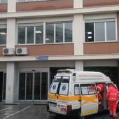 Coronavirus, scende ancora il tasso di positività, un morto al San Martino