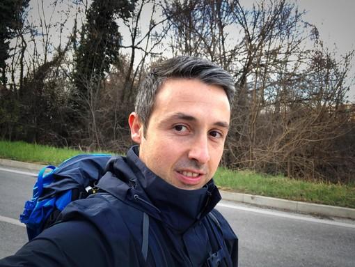 """Il sogno di """"Osky"""", ingegnere finalese che attraverserà l'Italia a piedi per dire no alla sclerosi multipla"""