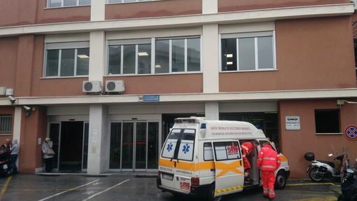 Coronavirus Cina, donna ricoverata al San Martino: primo caso sospetto in Liguria
