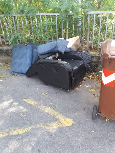 Caso rifiuti a Ponente, il problema arriva in consiglio comunale