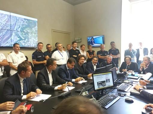 """Crollo a Genova: """"L'emergenza finisce quando il ponte sarà ricostruito"""""""