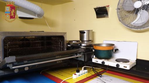 Operazione del Commissariato di Prè: chiuso un bar alimentari di piazza Del Campo